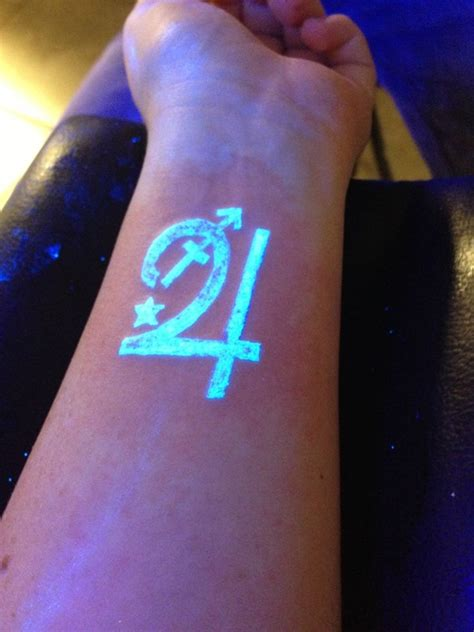 100 glowing black light tattoos dzine mag
