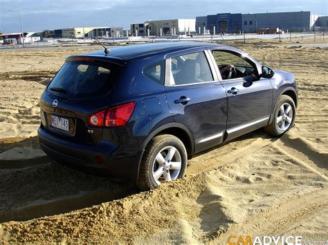 Subaru Forester Vs by Subaru Forester Vs Nissan Dualis Comparison Review