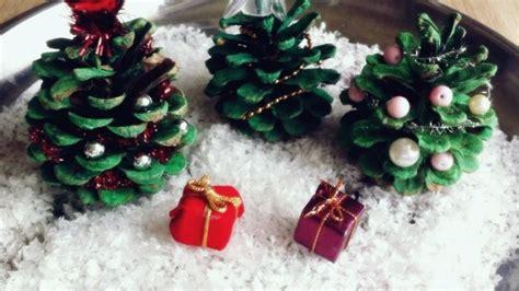 Basteln Mit Kaputten Glühbirnen by Deko Weihnachtsb 228 Ume Aus Tannenzapfen Frag Mutti