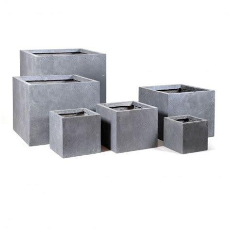 el blumentopf blumentopf eckig aus fibreclay in sch 246 nem betongrau