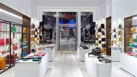 Design Magazine Store Nyc | tumi flagship store by dror opens on madison avenue in nyc