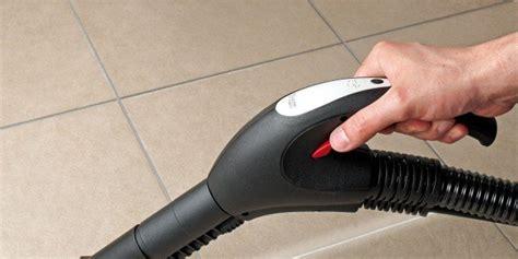 pulire fughe piastrelle pulire le fughe tra le piastrelle cose di casa