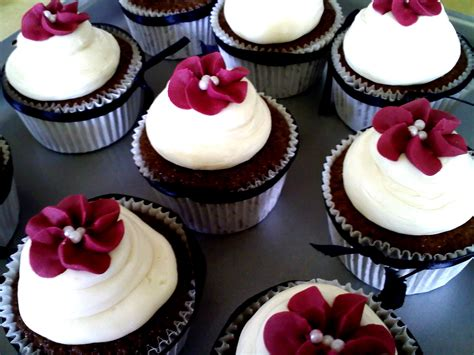 cupcakes ideas for bridal showers wedding shower cakes and cupcakes wedding o
