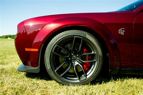 widebody hellcat colors challenger hellcat widebody brings more grip goodies