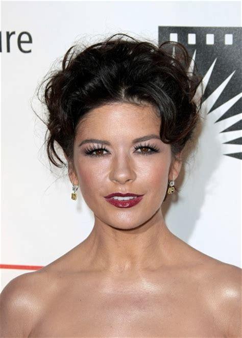 catherine zeta jones latest pictures celebrity hairstyle catherine zeta jones latest haircut
