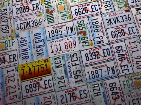 what to do with license plates when selling a car in illinois old license plates here s 20 ingenious projects you can do