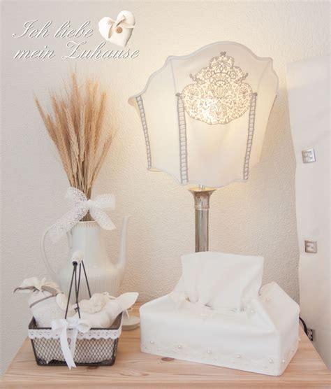 wie dekoriere ich mein schlafzimmer wie dekoriere ich einen nachttisch im landhausstil 187 ich