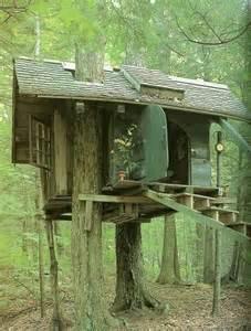 Tiny Tree House Relaxshacks Com A Tiny Tiny Escape House Tree House For
