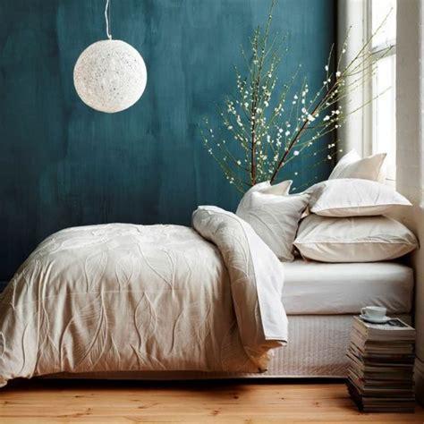 blaue farbe im schlafzimmer die 25 besten ideen zu wandfarbe schlafzimmer auf