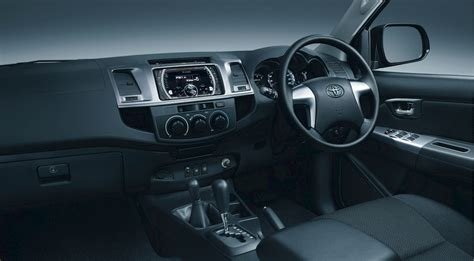 Fortuner Interior 2014 by Umw Toyota Motor Launched The New Facelift Toyota Fortuner
