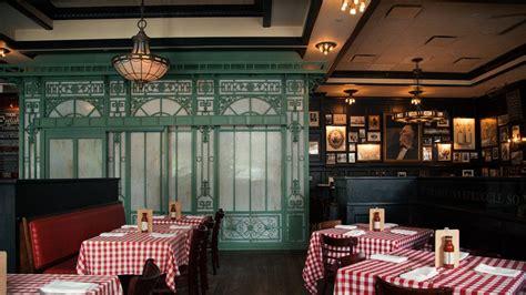 pj clarkes restaurant  bar washington dc pj