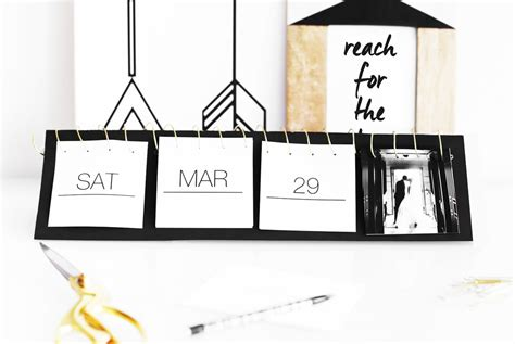 Diy Desk Calendar Turn Your Instagram Photos Into A Flip Calendar Kristi Murphy Do It Yourself