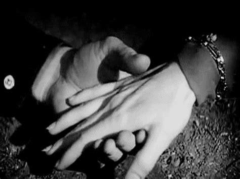 imagenes en blanco y negro de parejas enamoradas paisajes animados paisaje animado de blanco y negro 23