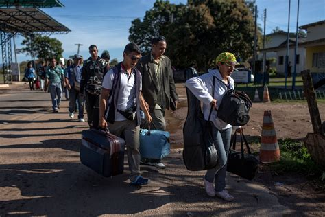 Find In Brazil Desperate Venezuelan Refugees Find Food Medicine In Brazil Best Countries Us News