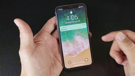 iphone x how to turn on flashlight from lock screen