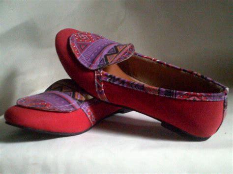 Sepatu Wanita Grosir 59 sepatu wanita batik harga grosir murah grosir sandal