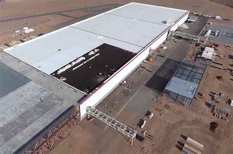 Tesla Construction Drone Documents Construction Progress At Tesla S Gigafactory