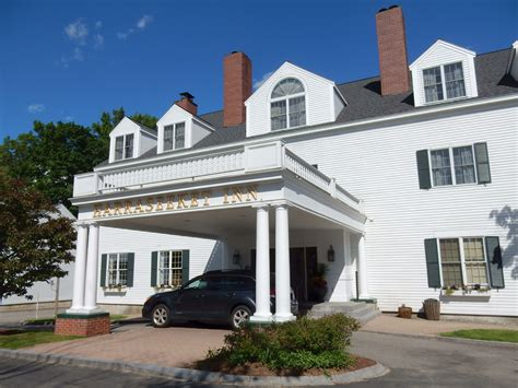 comfort inn freeport maine freeport me shop till you drop in upscale new england