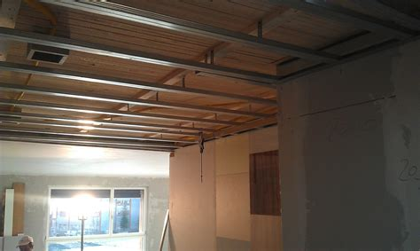 einbau deckenkonstruktionen metallprofilunterkonstruktion f 252 r abgeh 228 ngte gipsdecke
