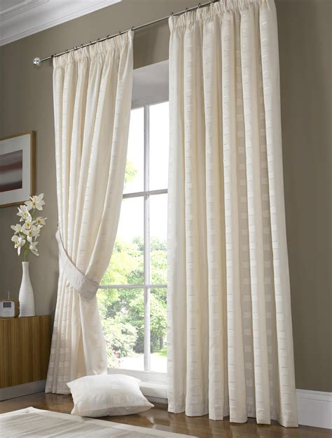 Curtains And Blinds Kaye S Made To Measure Curtains About Us Page For
