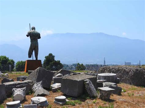 pompeii what to see in only one day practical travel guide for diy travelers books planning a trip to naples italy with day trips to