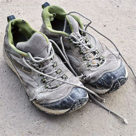 knee running shoes can improper running shoes cause knee style guru