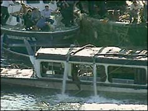 boat crash on thames today bbc on this day 20 1989 marchioness river crash