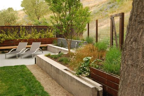 Modern Outdoor Chaise Lounge Chairs Design Ideas San Francisco Deer Fence Designs Landscape Modern With Planting Beds Contemporary Outdoor