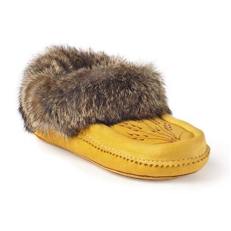 manitobah slippers 12 best images about moccasins on