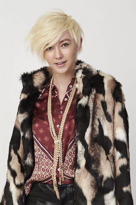 how to achieve disheveled pixie get the look winter hair trends asymmetric pixie with l