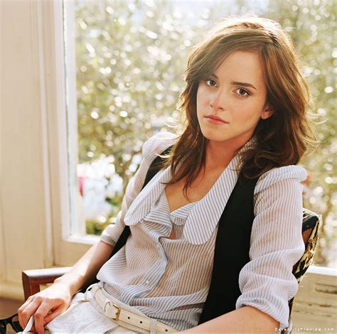biography emma charlotte duerre watson emma watson pictures mini biography celebrity preview