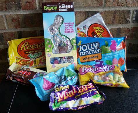Hershey Giveaway - giveaway how to make the perfect easter basket bunnytrail carrie with children