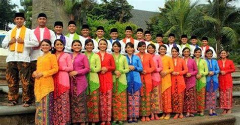 Filosofi Baju Adat Madura filosofi 3 pakaian adat betawi pernikahan salah satunya