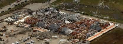 joplin mo tornado at least 89 dead as cuts 4 mile