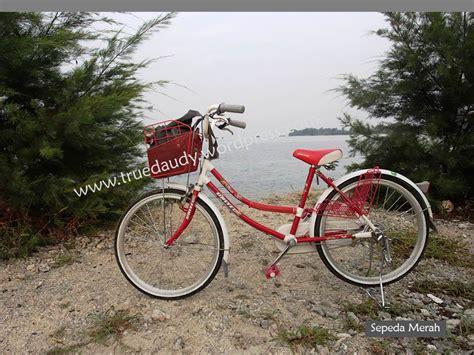 Sepeda Yang Ada Keranjang Nya image format truedaudy s