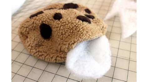 Bantal Cookies buat sendiri karpet dan bantal menyerupai cookie