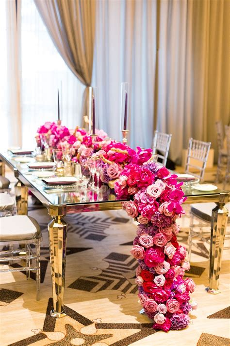 7 Gorgeous Table Runners by Reception D 233 Cor Photos Gorgeous Cascading Pink And