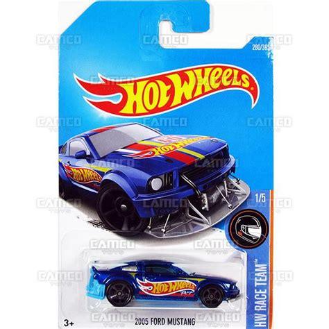 Wheels 2005 Ford Mustang Hw Race Team Hotwheels 2005 ford mustang 280 blue 2017 wheels basic m