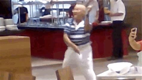 gif  worlds funniest find share  giphy