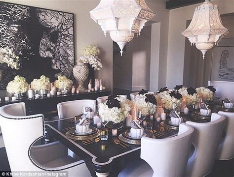 khloe s hosts thanksgiving for family for