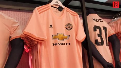 how to join pink fan manchester united greats join fans at pink away kit launch