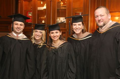 Linkedin Usc Marshall Mba Class Of 2019 by Global Minded Graduates Celebrate Success Usc News