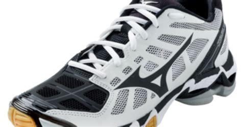 Sepatu Basket Mizuno sepatu voli mizuno s wave lightning rx2 sepatu mizuno