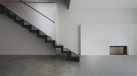 Revetement Escalier Vinyle Beautiful Plancher De Vinyle Microcemento Corchoastur