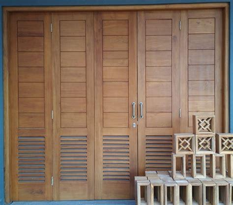 Pintu Jendela Dan Pintu Garasi jasa pembuatan kusen kayu pintu dan jendela wilayah