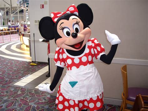 3d Hiding Mickey Dan Minni Mouse minnie mouse chef mickey s disney s contemporary resort flickr