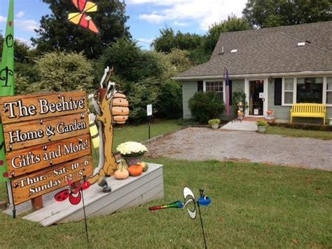 the beehive home and garden casa jardim 3808
