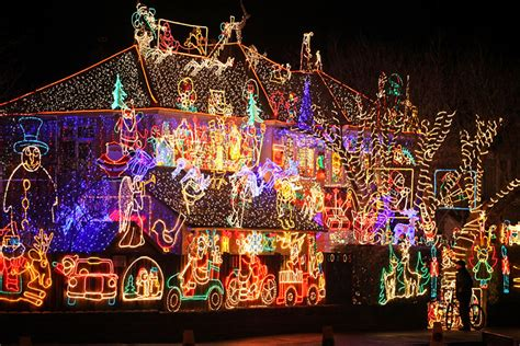 Bbc Photos Of One Of Uk S Biggest Christmas Light Displays Light Displays
