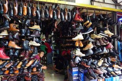 sepatu keren di pasar ular dan poncol