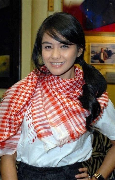 gosipp selebriti hollywood terkini artis indonesia profil revalina s temat celebs hot